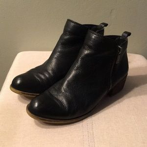 Lucky Brand - black leather Ankle Boots 6M/36